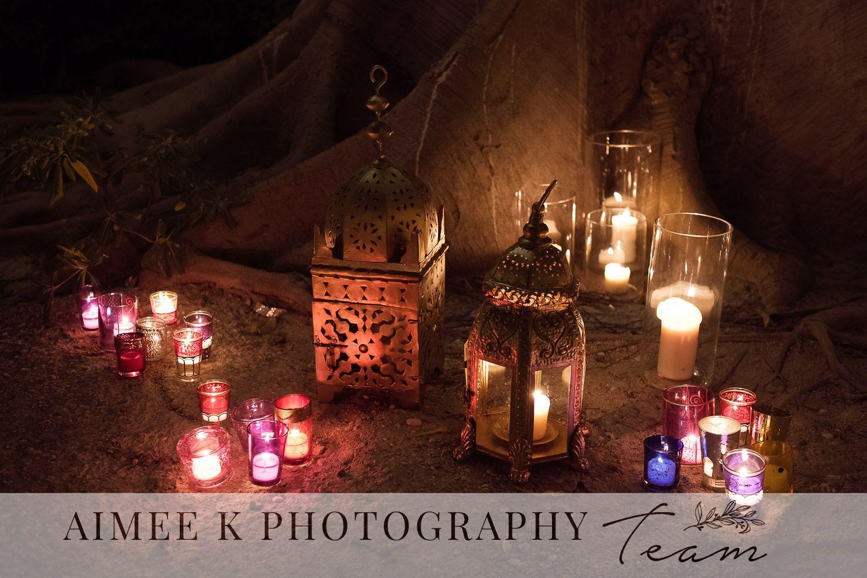 Decoración de boda al aire libre. Noche. Farolillos y velas.